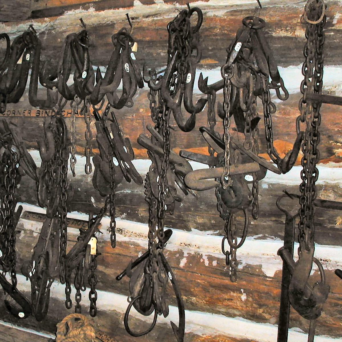 Corner Bind Hooks